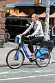 karlie kloss bikes around nyc moscow return 14