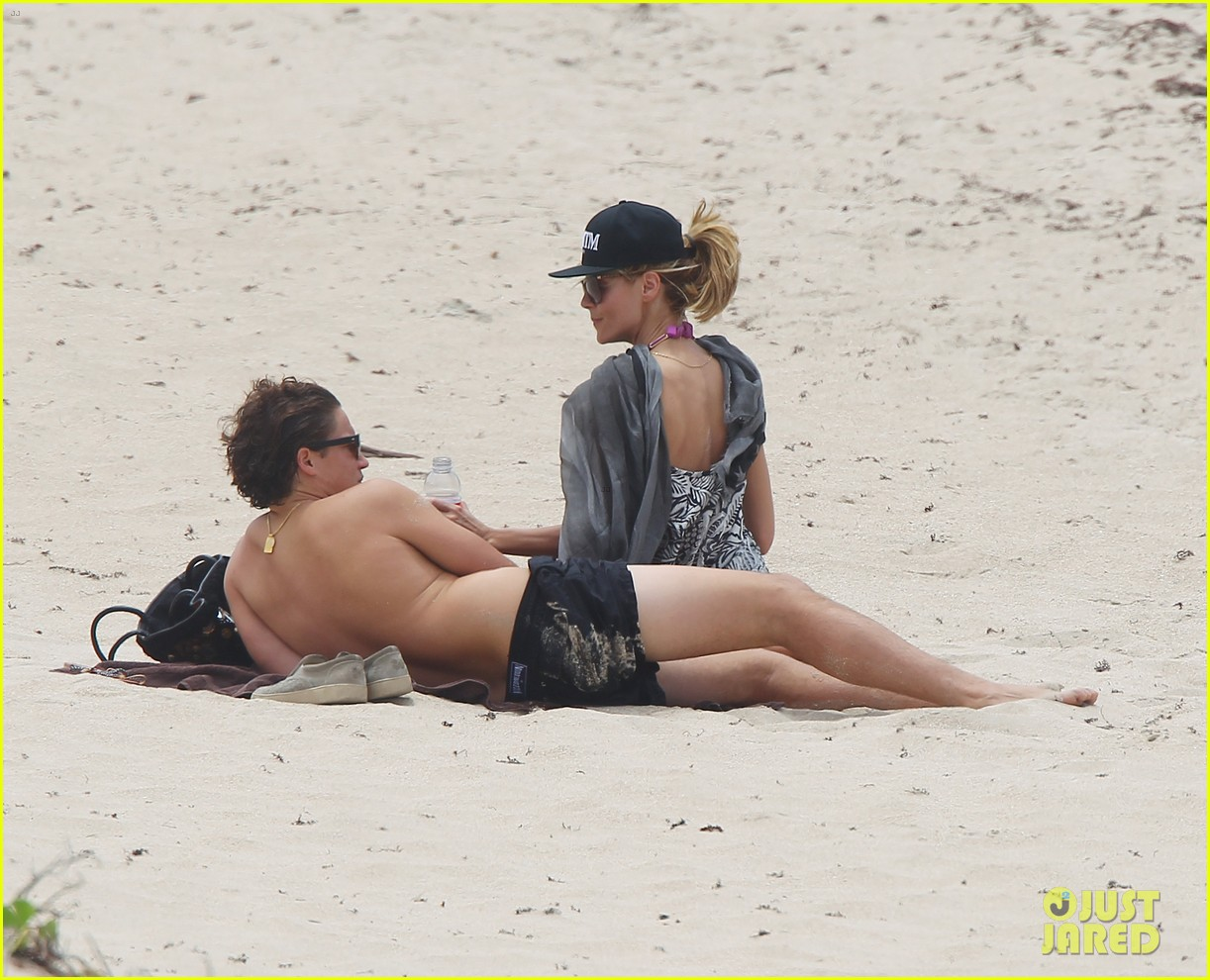 heidi klum vito schnabel pack on pda during st barths vacation 093384336