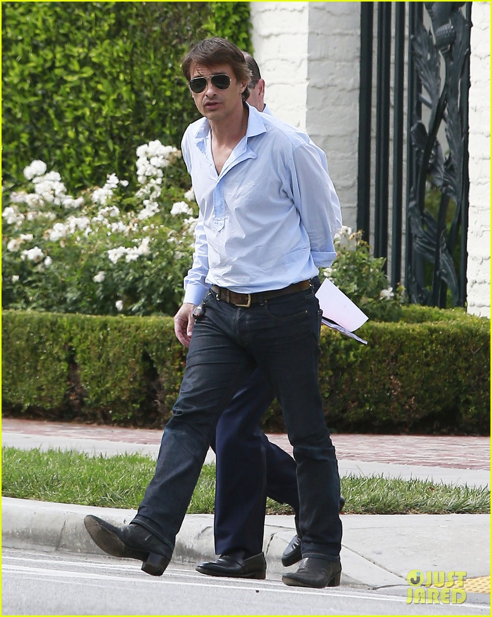 olivier martinez is business hot in beverly hills 033405400