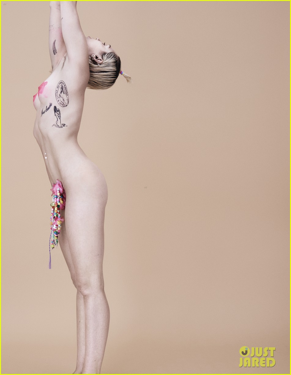 Miley sirus completely naked pics