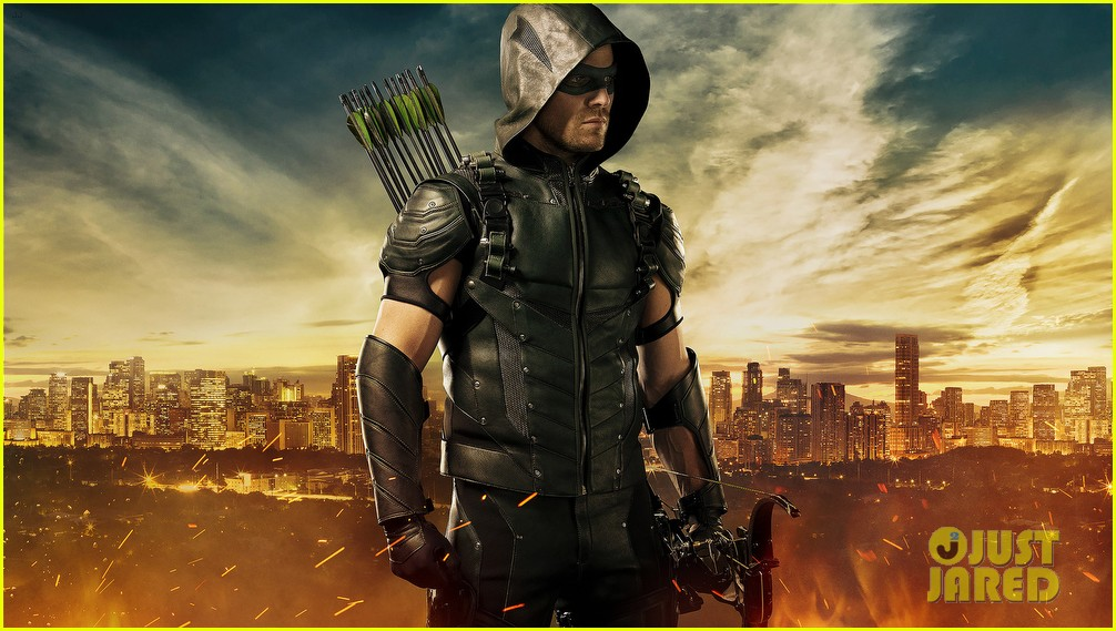 stephen amell green arrow new suit 033414443