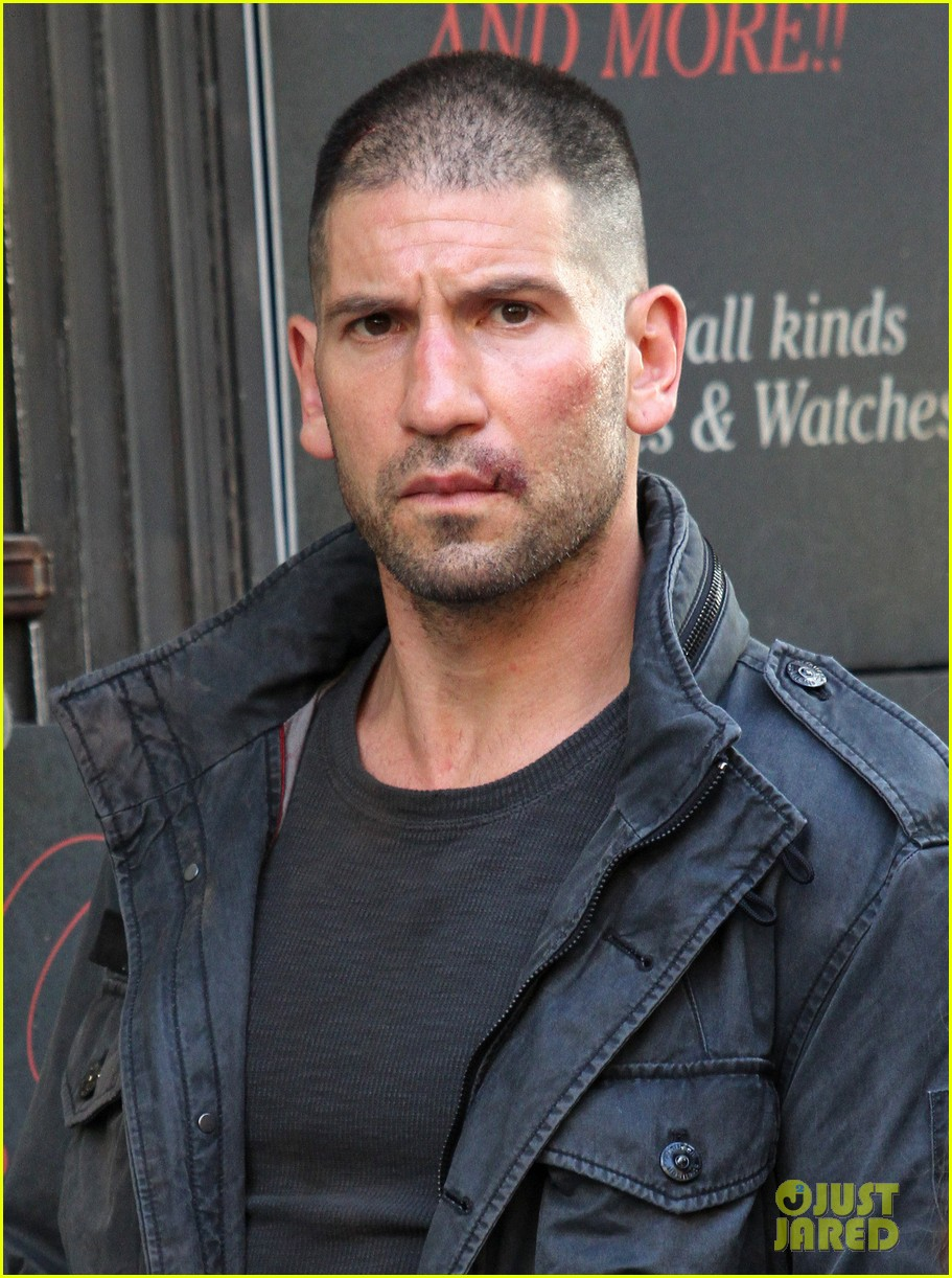 jon bernthal pictured as the punisher on daredevil set 033413271