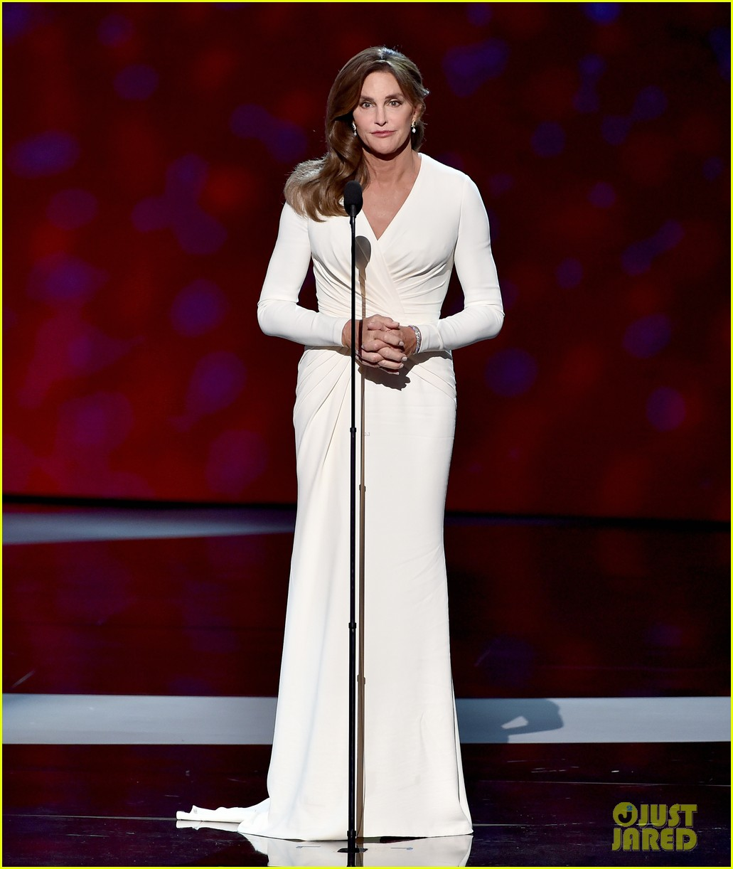 Caitlyn Jenner Wore A Corset Under Her Espys Dress 013420196