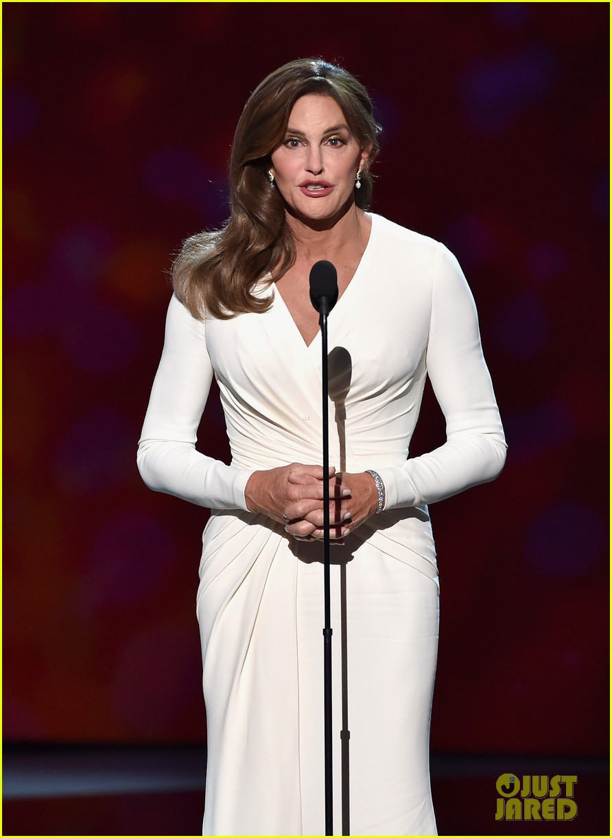 Caitlyn Jenner Wore A Corset Under Her Espys Dress 273420222