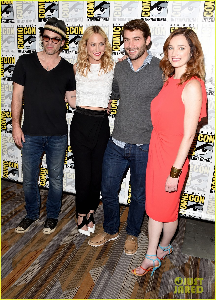 katharine mcphee jake mcdorman rep cbs shows at comic con 243412489