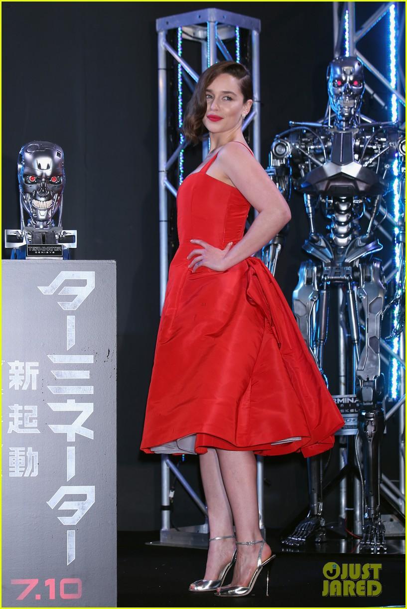 Emilia Clarke Looks Red Hot at 'Terminator Genisys' Japan ...