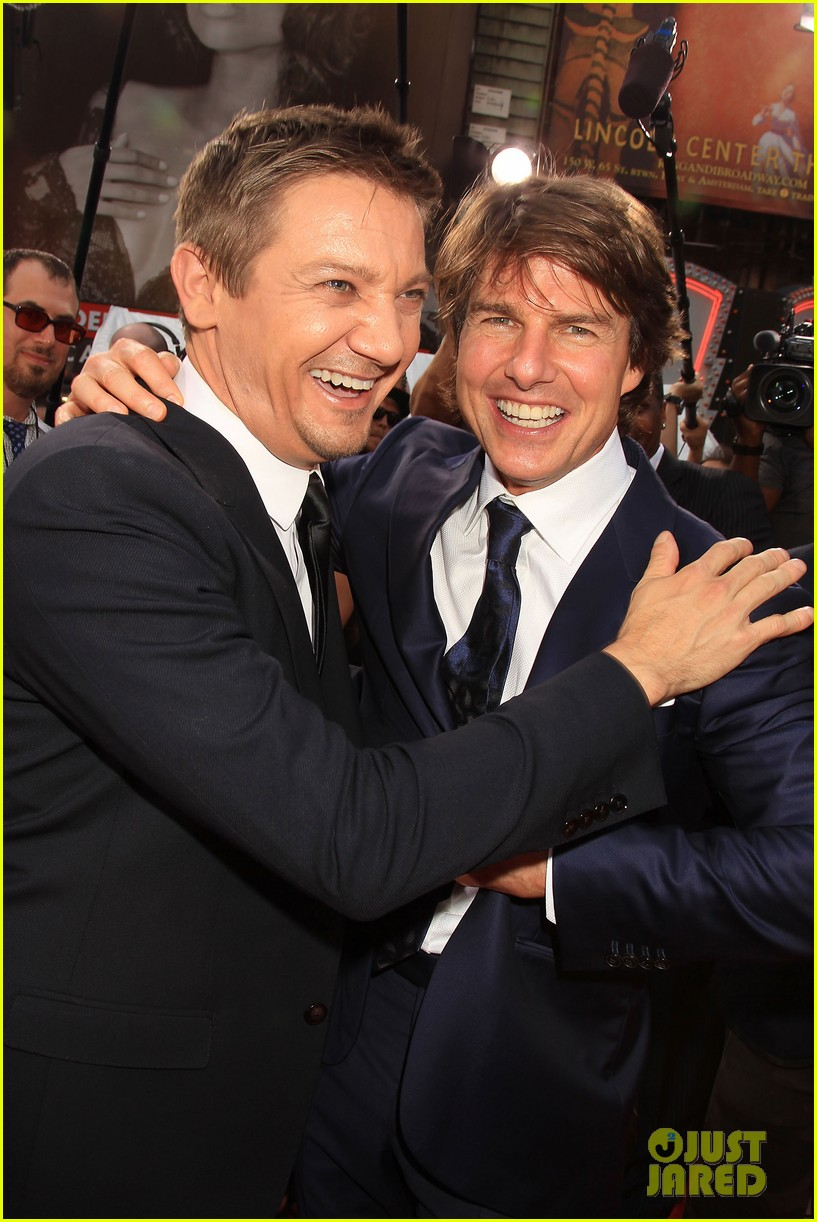 tom cruise jeremy renner mission impossible premiere 043425324