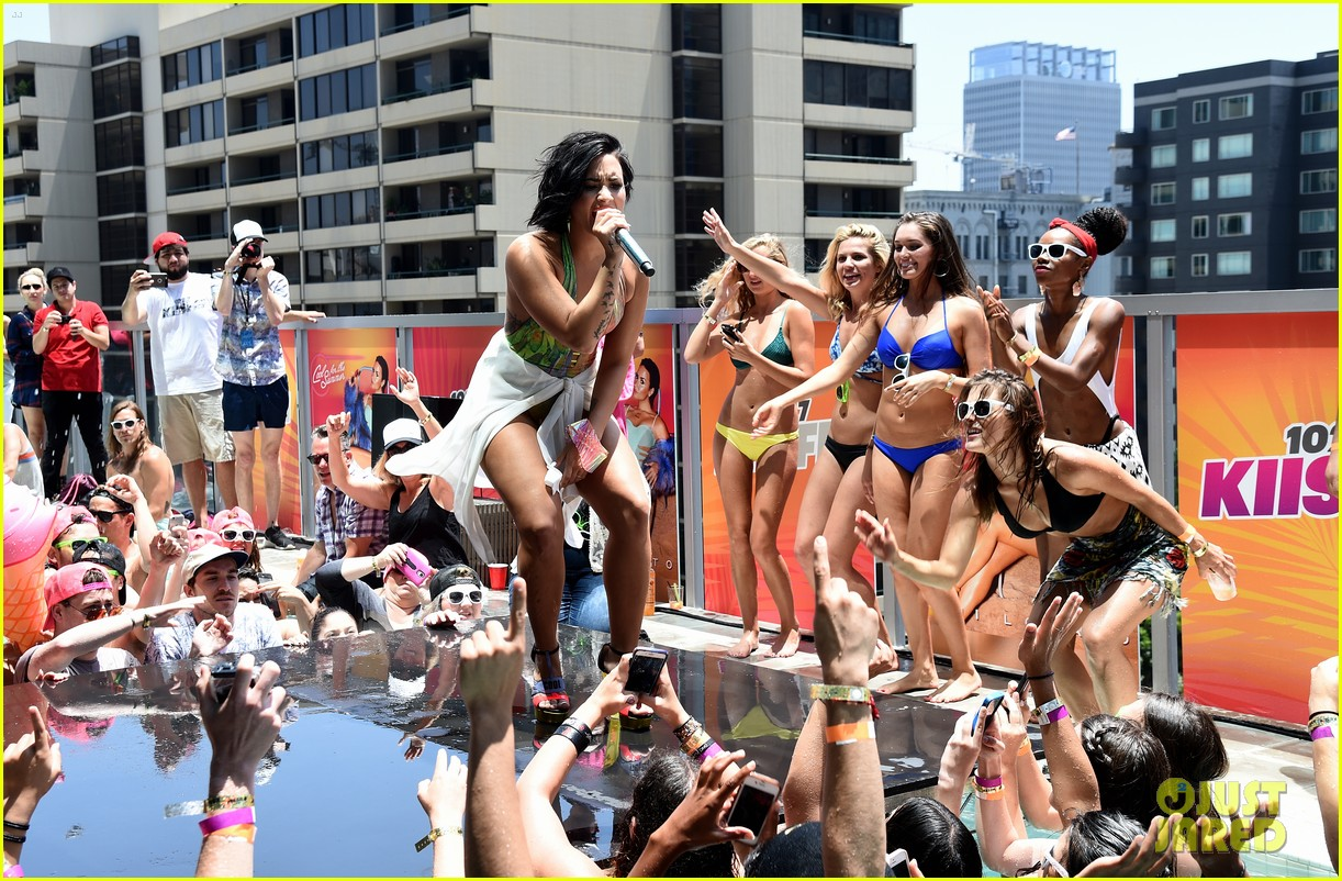 demi lovato falls cool for the summer party 103409082