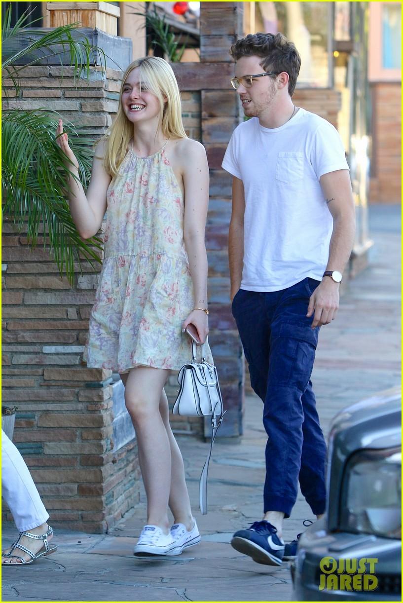 Elle Fanning And Boyfriend Elle Fanning St...