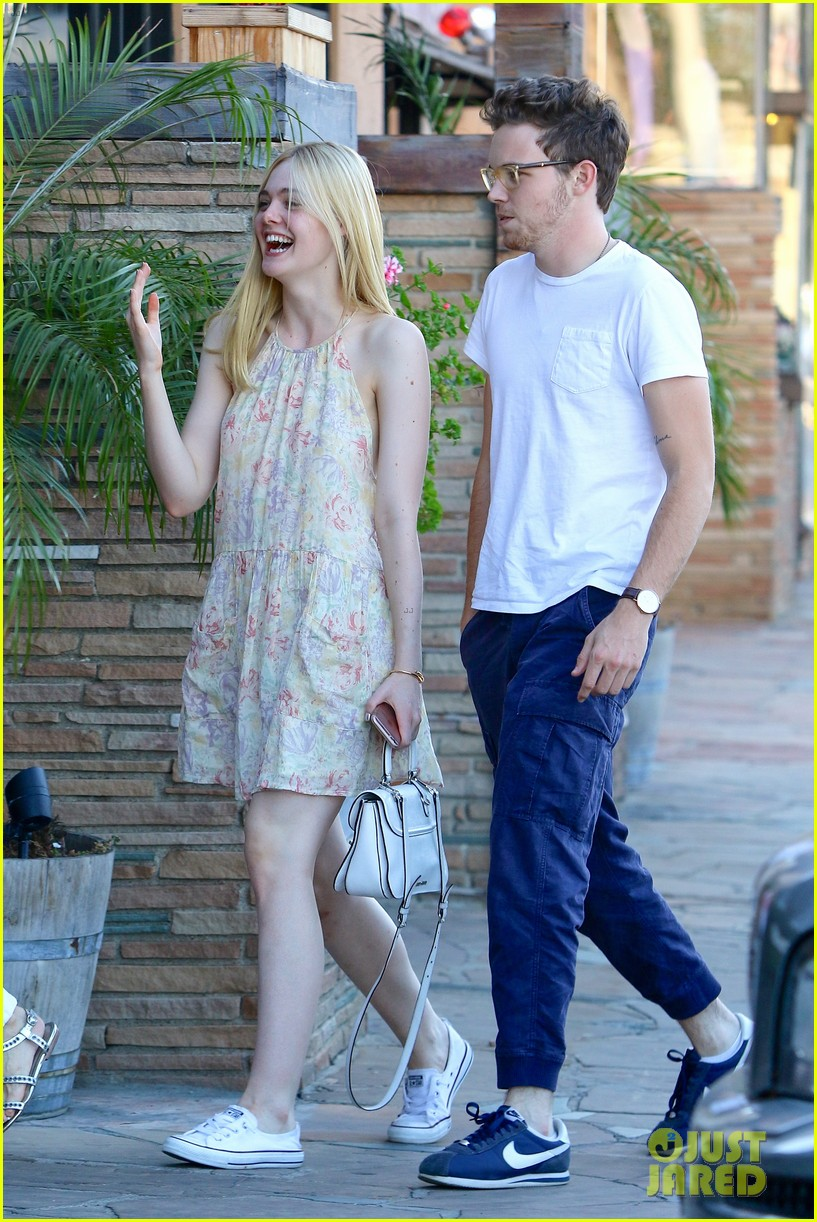 elle fanning dating As far as child stars go, dakota and elle fanning have a squeaky dakota fanning and boyfriend 17 little known secrets about elle and.