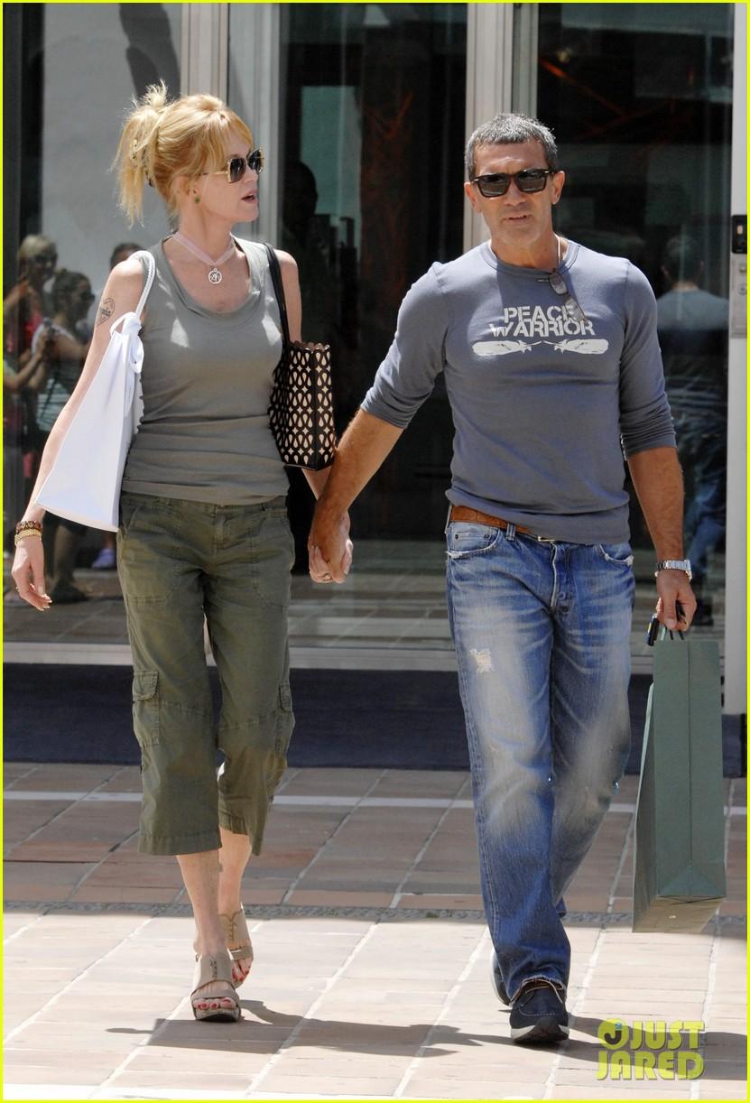 Melanie Griffith Amp Antonio Banderas Finally Sign Divorce