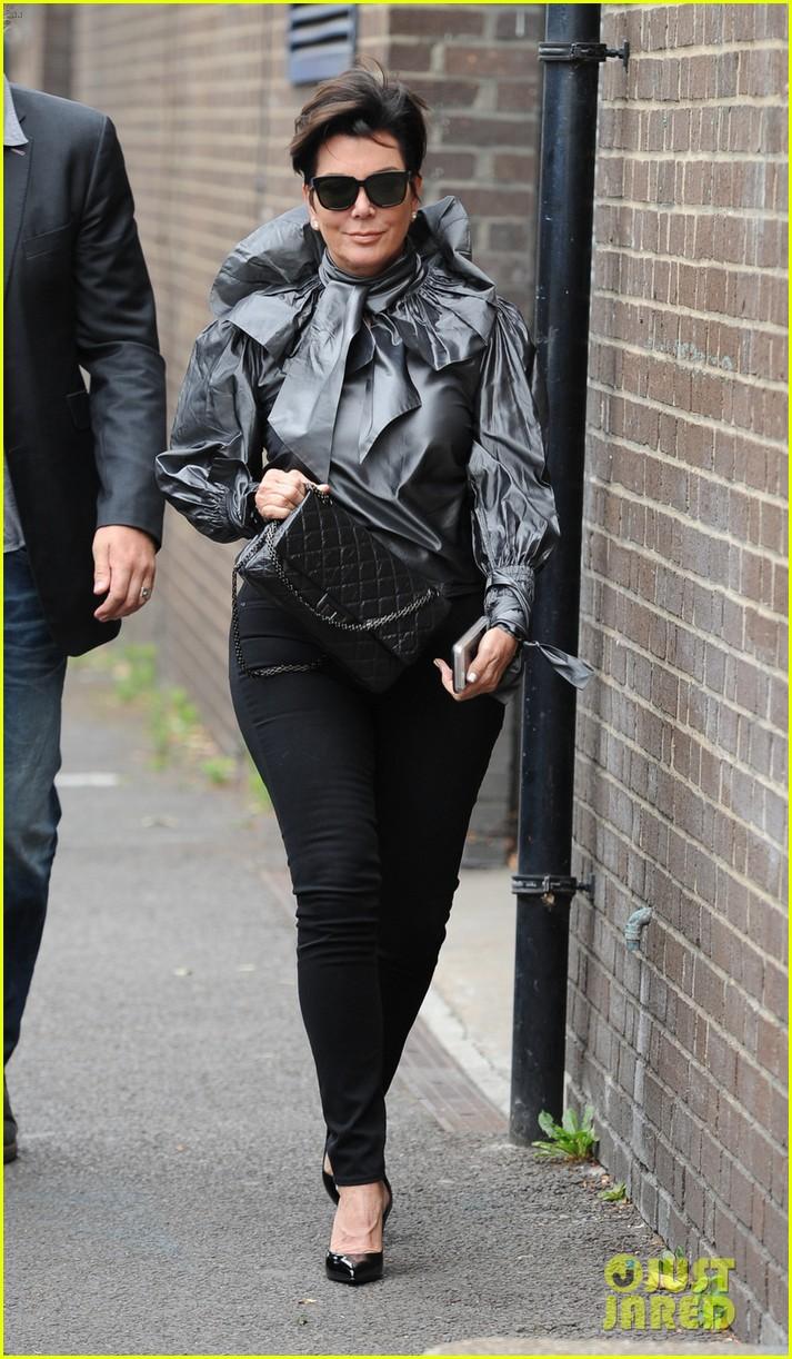 Leather jacket instagram - Kylie Jenner Gets Called Out On Instagram By Amandla Stenberg Photo 3414516 Amandla Stenberg Jaden Smith Kendall Jenner Kris Jenner Kylie Jenner