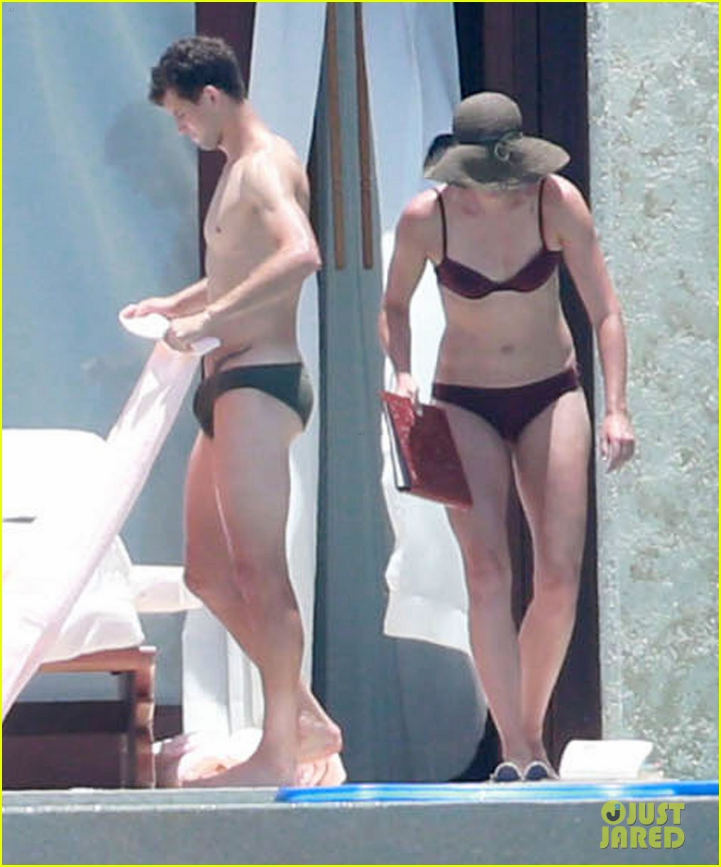 after 2 years dating Amanda seyfried and justin long have split up after two years of dating, people has confirmed the truth is that.