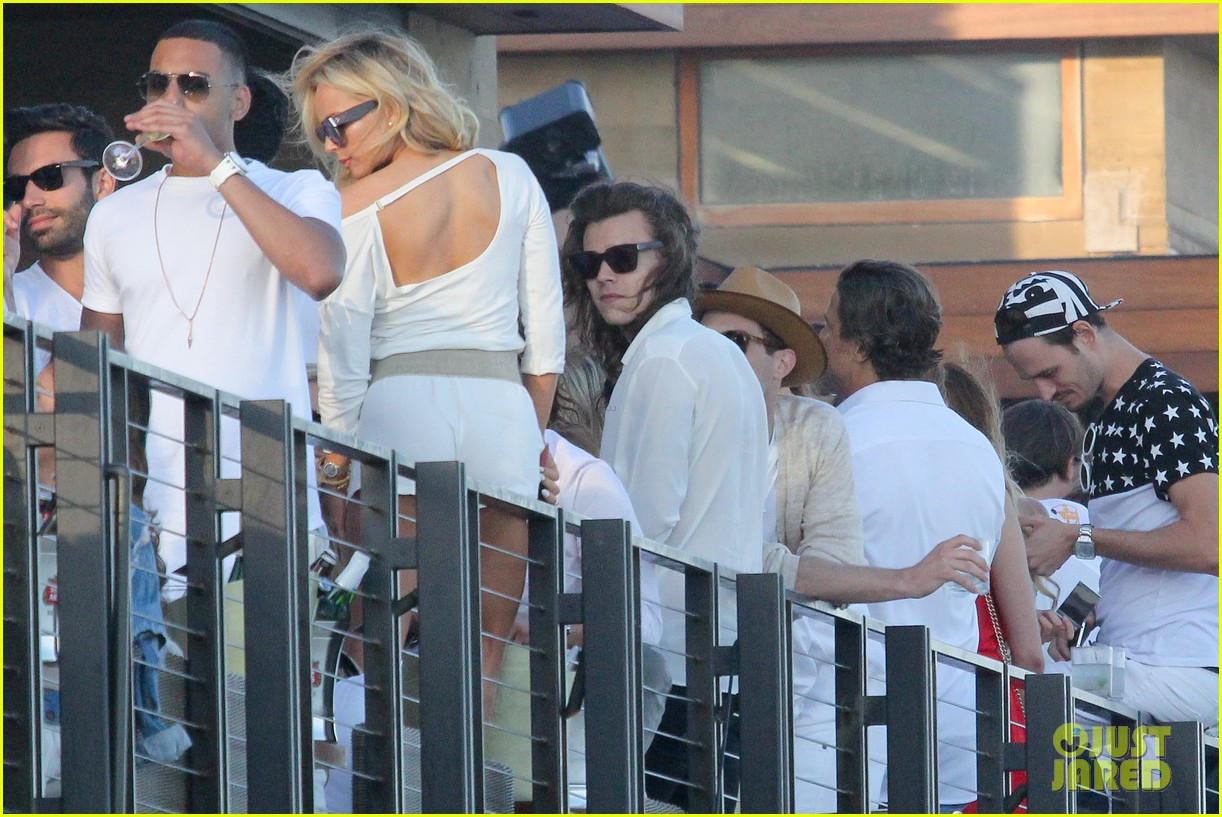 Harry Styles Amp Kylie Jenner Party Together On July 4th