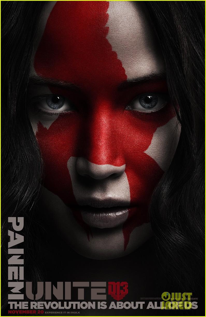 Jennifer Lawrences Katniss Returns to District 12 in New