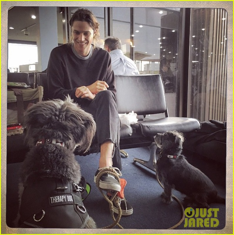 zachary quinto miles mcmillan dogs vancouver 023406862