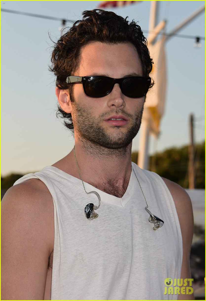 penn badgley fansite