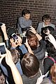 bendict cumberbatch swarmed by fans 08