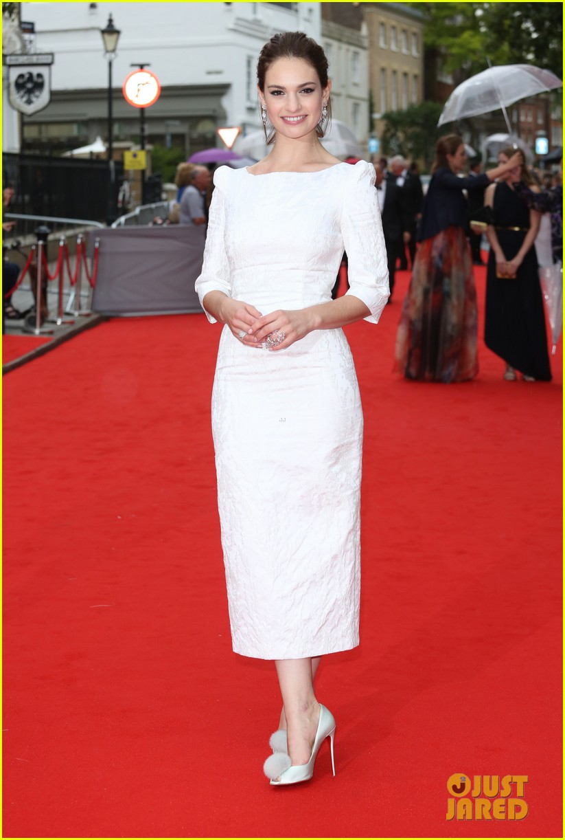 michelle dockery reunites dan stevens downton abbey tribute event 043436572