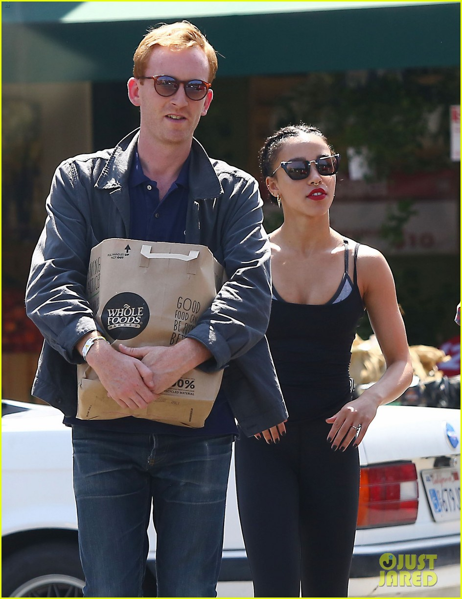 fka twigs whole foods grocery shopping 023444333
