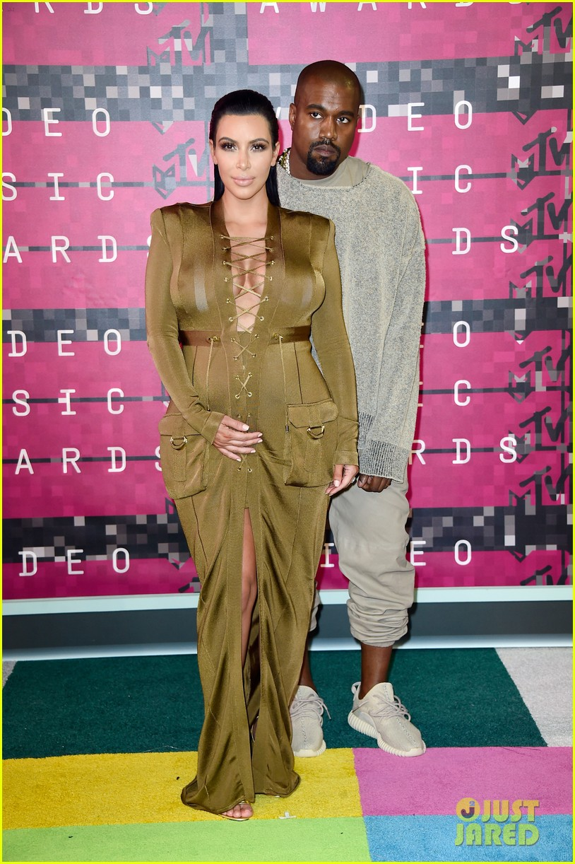 kim kardashian kanye west mtv vmas 2015 093449059