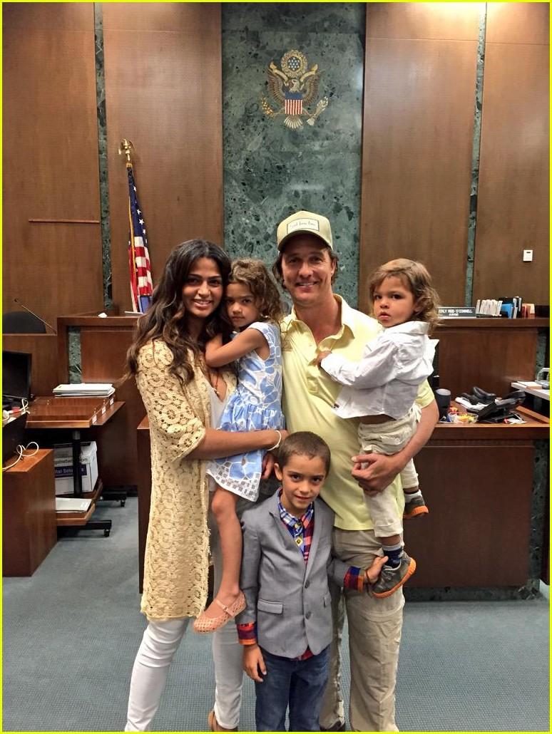 matthew mcconaugheys wife camila alves becomes an american citizen3430461