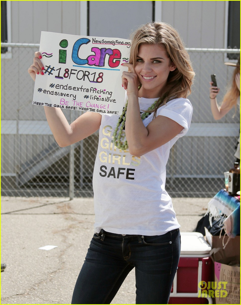 AnnaLynne McCord Sky Dives For 18For18 To Help End Sex Trafficking