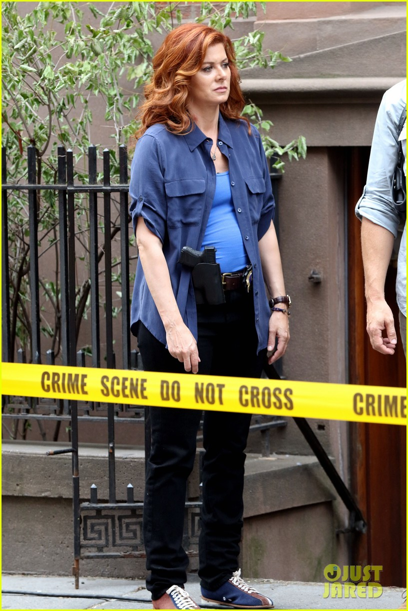 Debra messing jeans