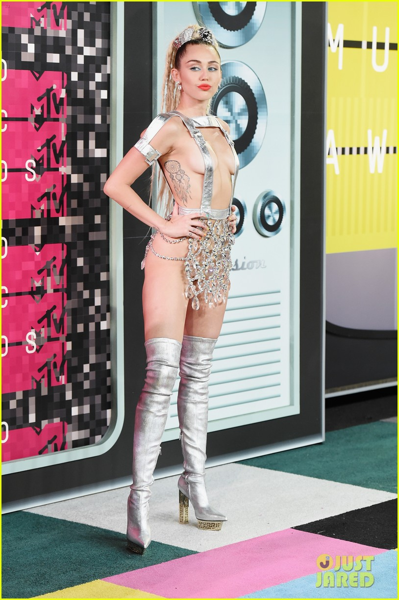 miley cyrus mtv vmas 2015 opening monologue 063449251