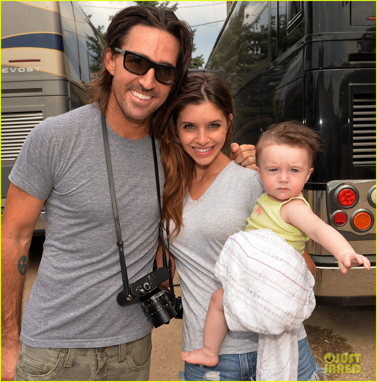 Jake Owen  U0026 Wife Lacey Buchanan Are Getting Divorced
