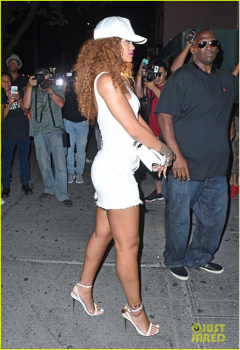 rihanna stops by the same nyc club as lewis hamilton 033438961