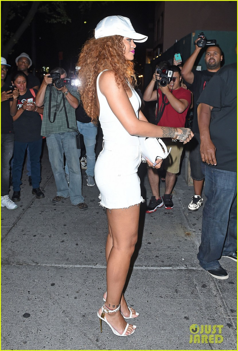 rihanna stops by the same nyc club as lewis hamilton 163438974