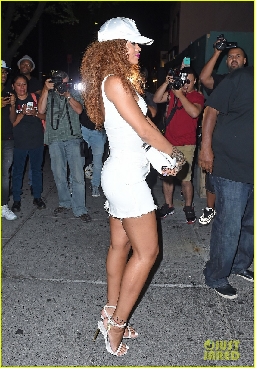 rihanna stops by the same nyc club as lewis hamilton 173438975