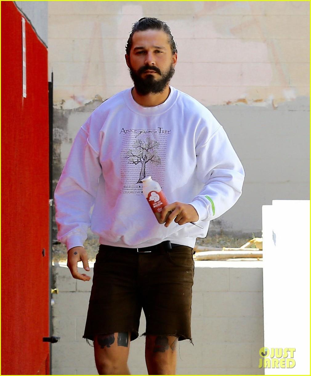 Shia Labeouf Rocks A Man Bun To Boxing Class In La Photo 3441834