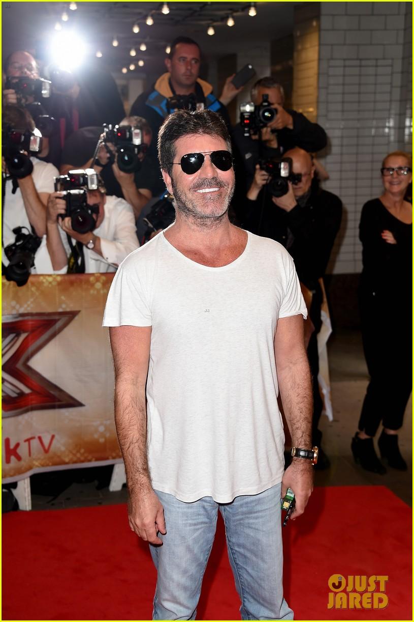 Olly murs black t shirt x factor - Simon Cowell Sports A Scruffy Gray Beard At X Factor Uk Photo 3446471 Caroline Flack Cheryl Cole Nick Grimshaw Olly Murs Simon Cowell Pictures
