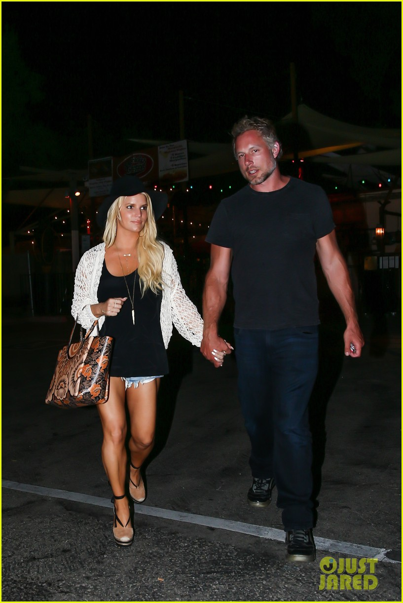 bc6f7c61a9a Jessica Simpson Gets Back Into Her Daisy Dukes!: Photo 3442574 ...
