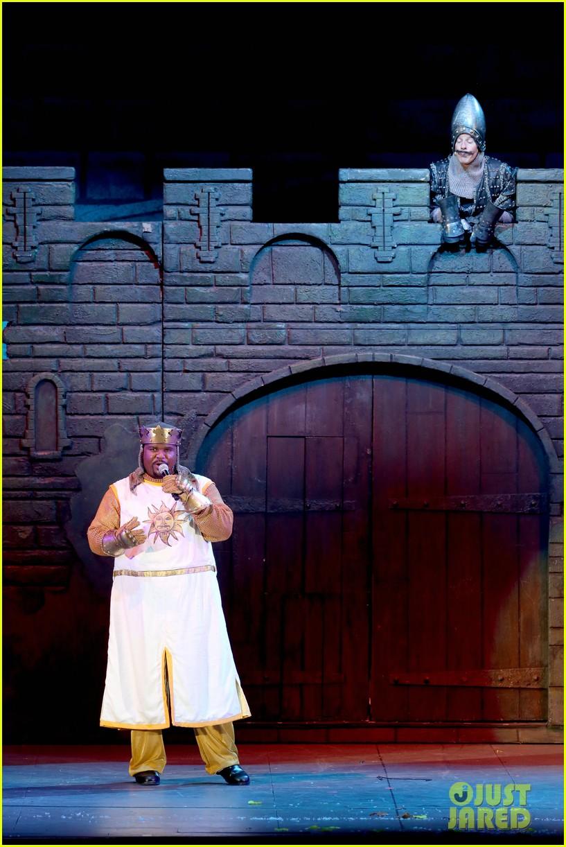 Jesse Tyler Ferguson Spoofs Broadway Shows in 'Spamalot ... | 817 x 1222 jpeg 235kB