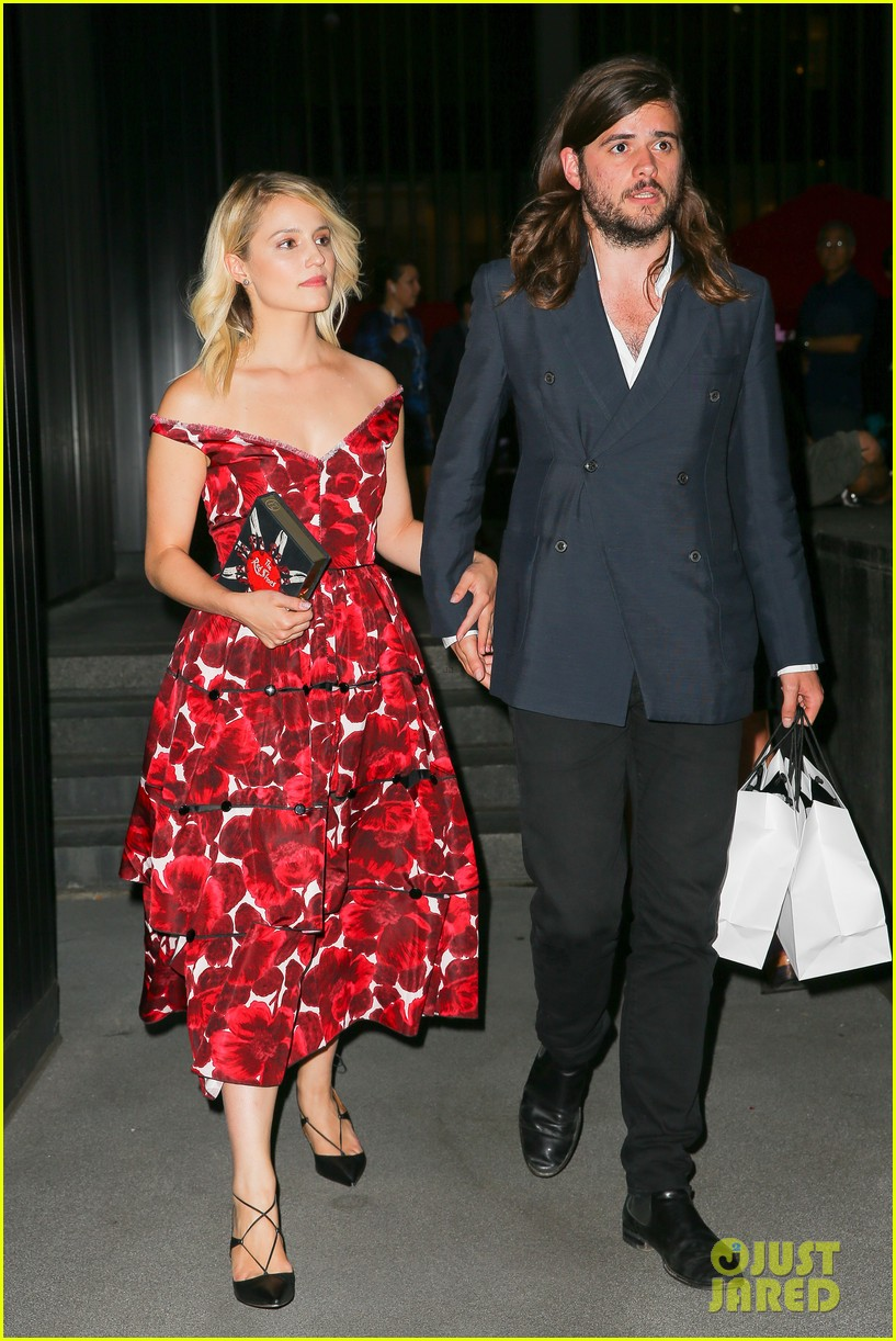 dianna agron boyfriend winston marshall hold hands marc jacobs 053463913