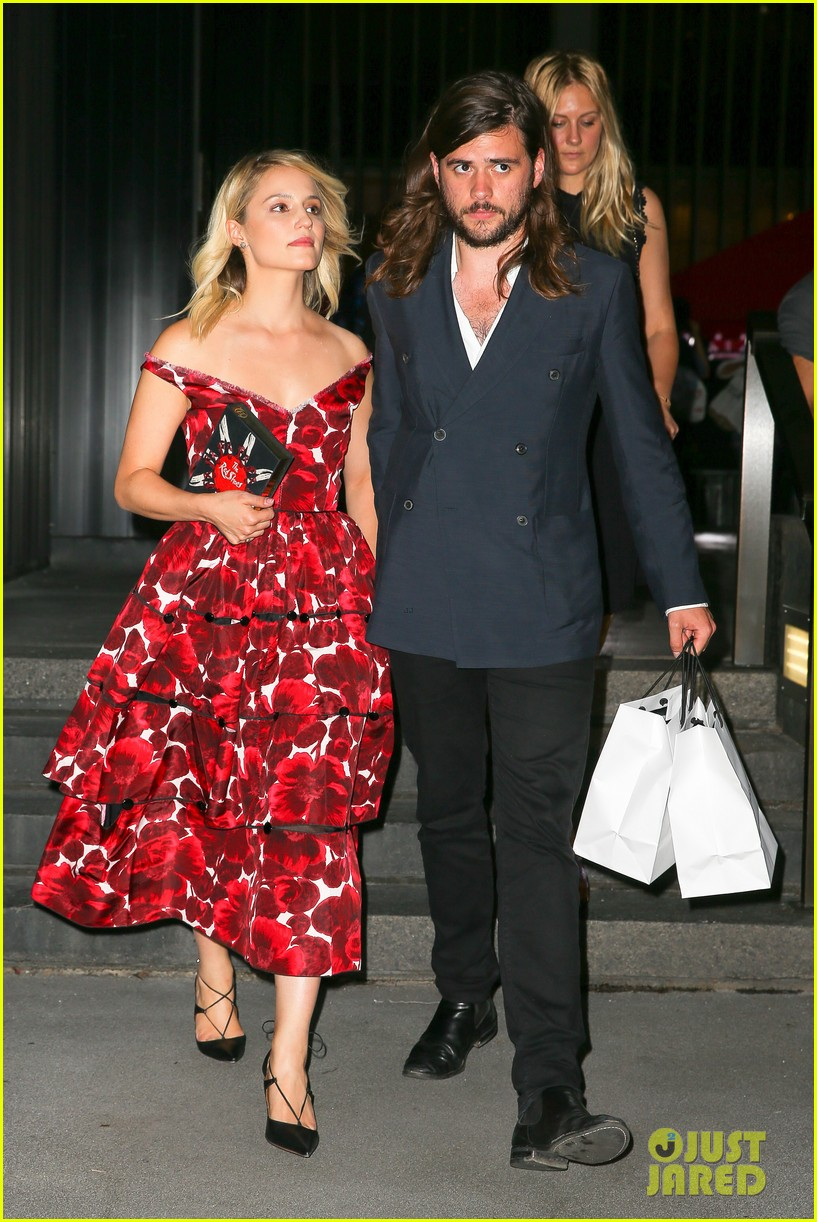 dianna agron boyfriend winston marshall hold hands marc jacobs 063463914