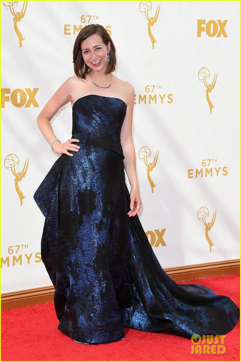 Full Sized Photo of aubrey plaza kristen schaal 2015 emmys ... Emmy 2017