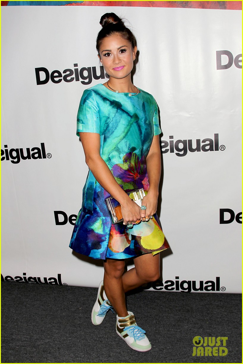 bachelorette stars take over at desiguals nyfw show 083457130