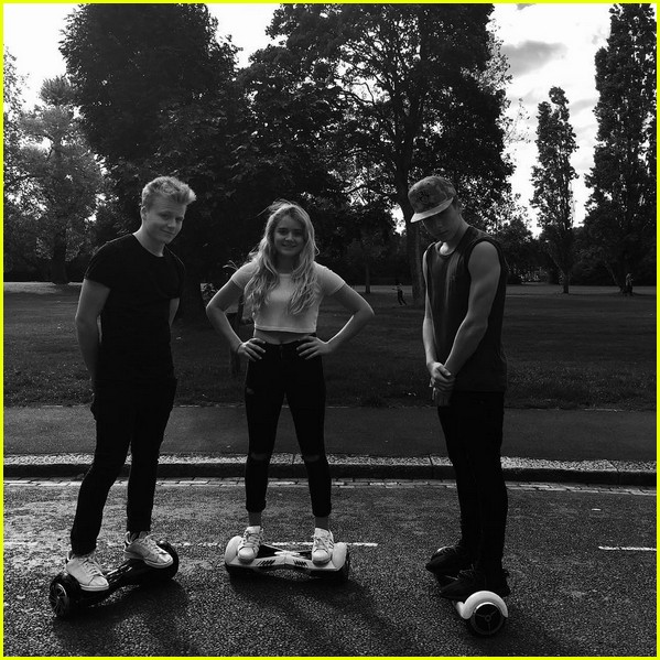 david beckhams four kids ride hoverboards together 043472868