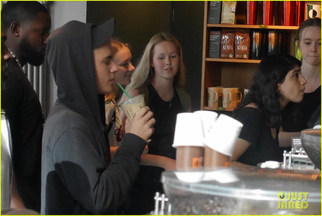 Justin Bieber Dances the Nae Nae With a Fan on 'Ellen' (Video
