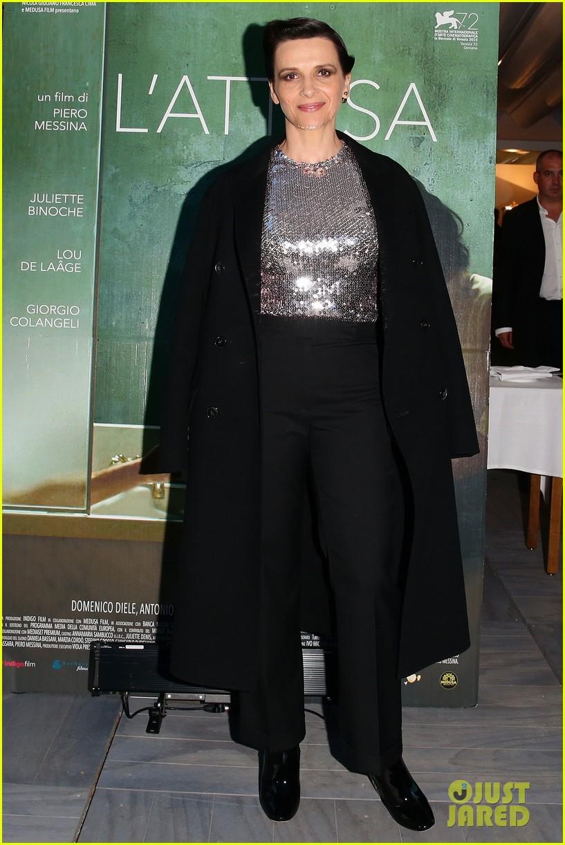 juliette binoche berenice bejo venice film festival 053453611