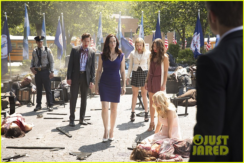 The Vampire Diaries Candice King Talks Pregnancy