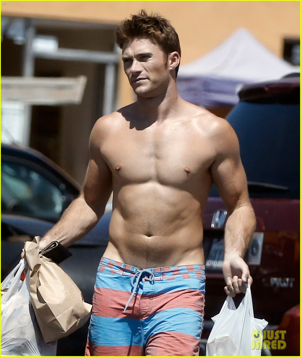 Scott Eastwood's New S...