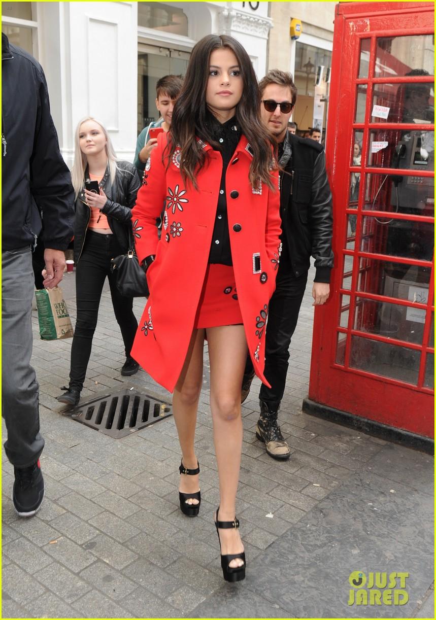 selena gomez london paris growing up revival interview 243470864