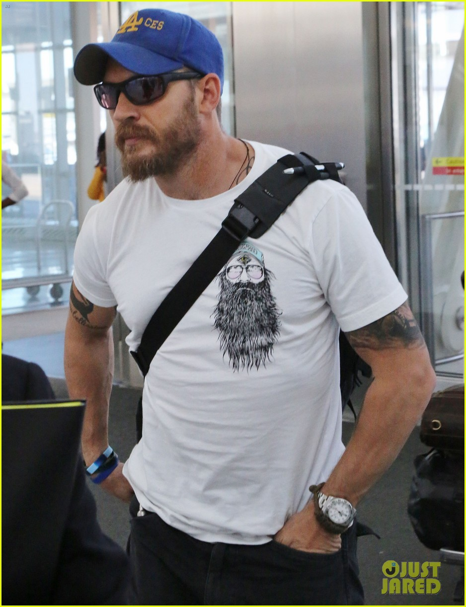 tom hardy doesnt intend to buy into the celebrity life 033462202