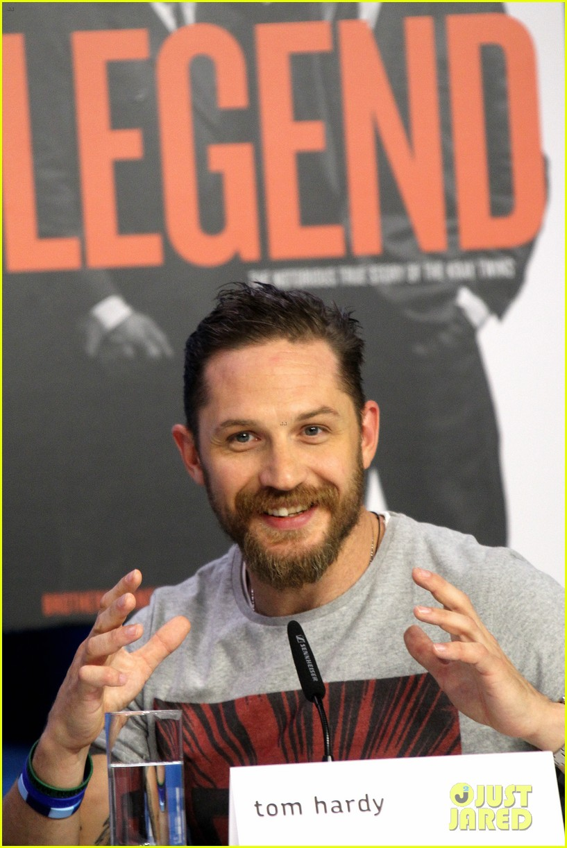 tom hardy emily browning legend tiff 2015 023460439