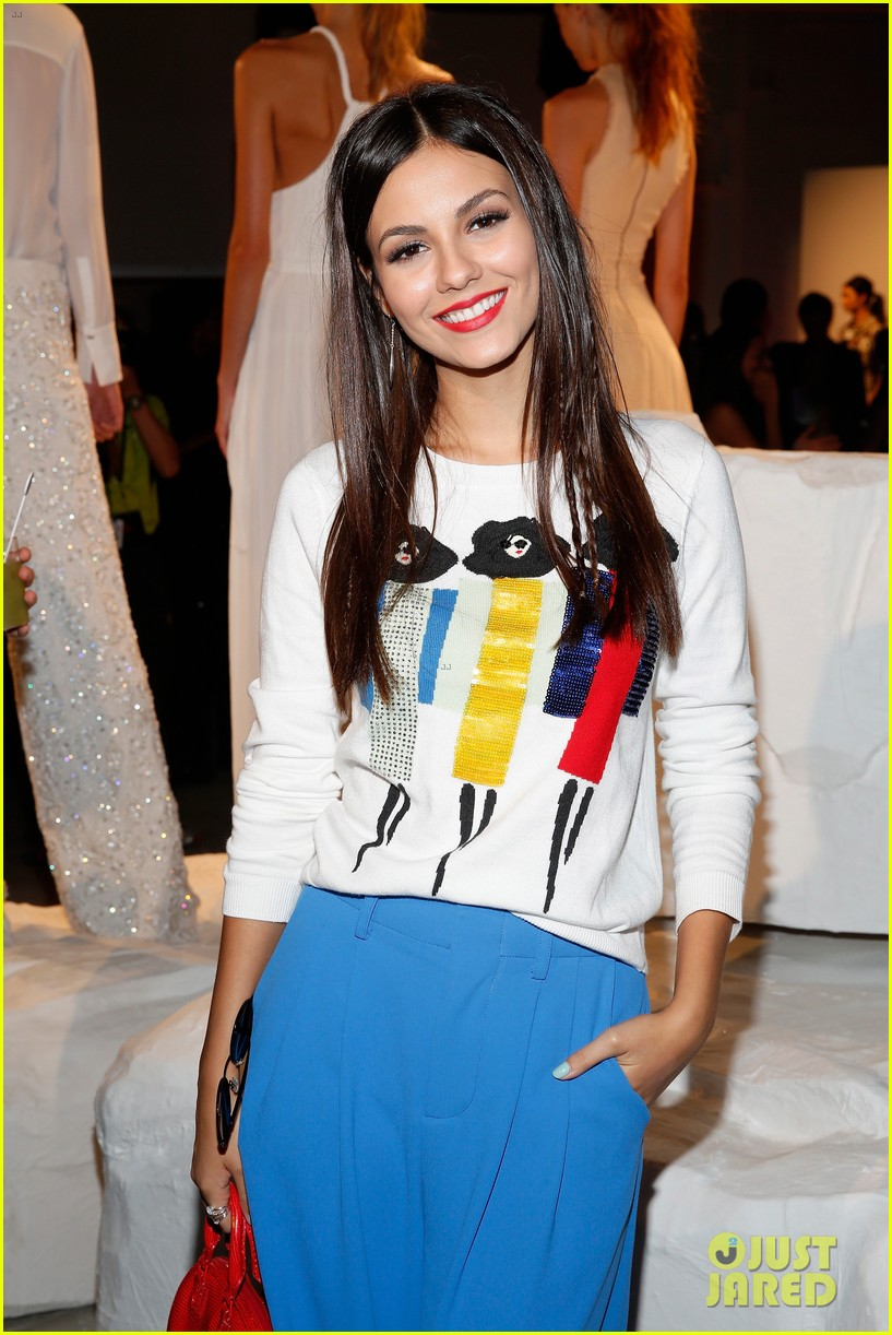 victoria justice joey king alice olivia nyfw 273462001